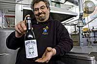 Алан Спринтц с бутылкой барливайна «Dave» 1994г.