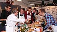 3 декабря в Москве состоялась четвертая встреча проекта «Пивной Гурме», организованного пивоваренной компанией «Балтика» для любителей кулинарного искусства. Под руководством международного эксперта по сочетанию пива и еды Сигрид Стреткверн гости погрузились в богатый мир гастрономических традиций Северной Европы.