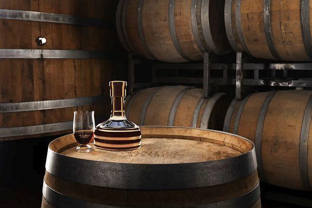 Samuel Adams выпустит пиво Utopias 2021 года в октябре.